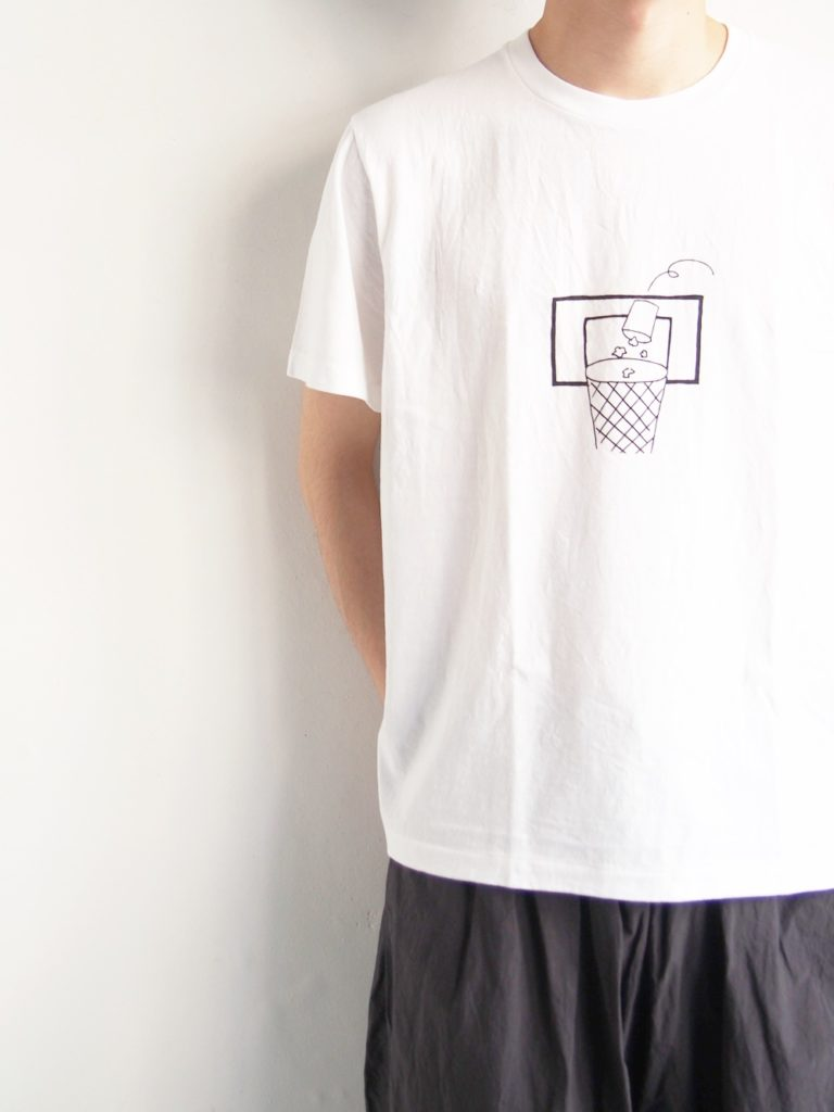 YAECA _ 丸胴プリント Tシャツ / TRASH
